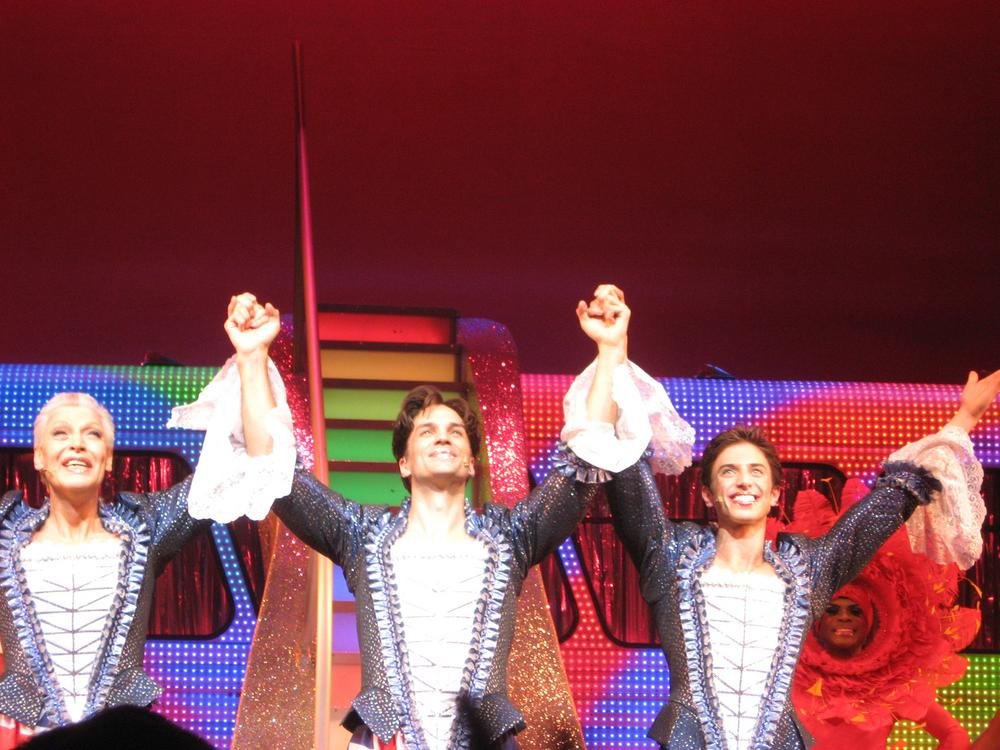 """""""Priscilla, Queen of the Desert"""" opens with a bang - 680 NEWS"""