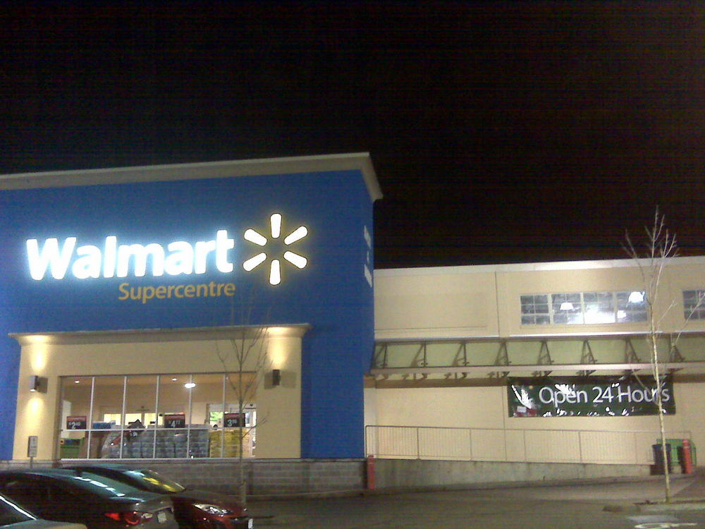 some walmart stores open 24 7 during christmas season - What Time Does Walmart Open Christmas Day