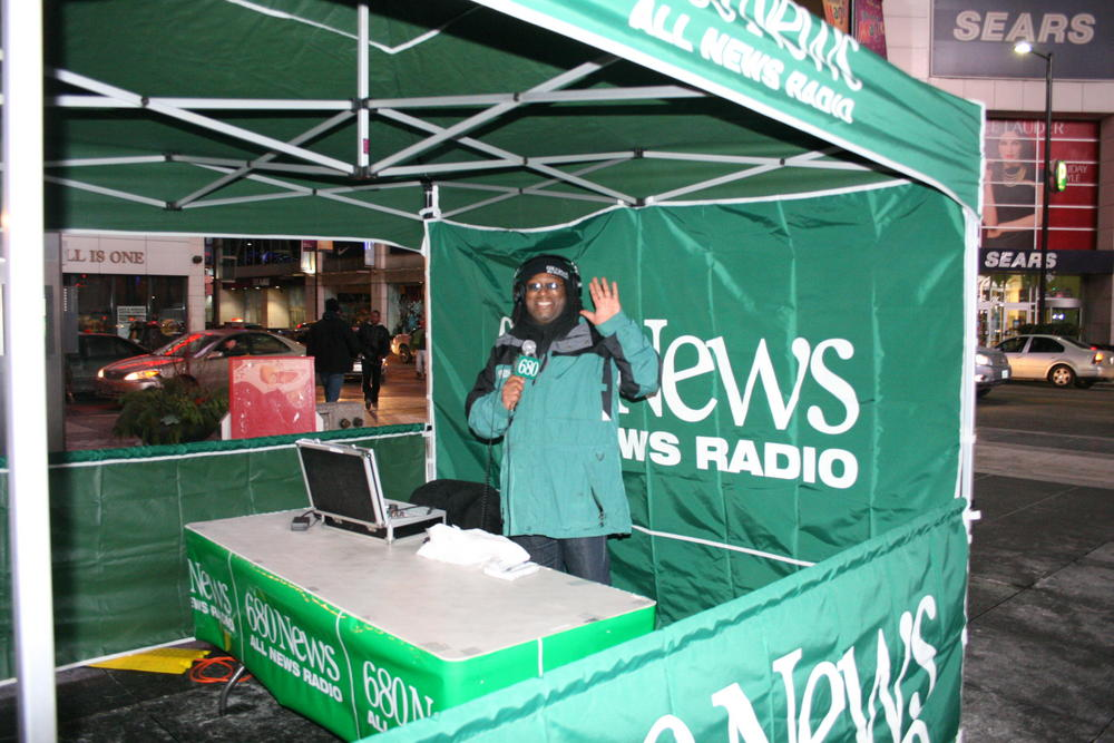 680News, Citytv team up for charity Christmas tree sale