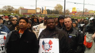Striking transit workers gathered in a park next to York Region government headquarters in Newmarket, Ont., ahead of march in front of the office building (Oct. 27, 2011)
