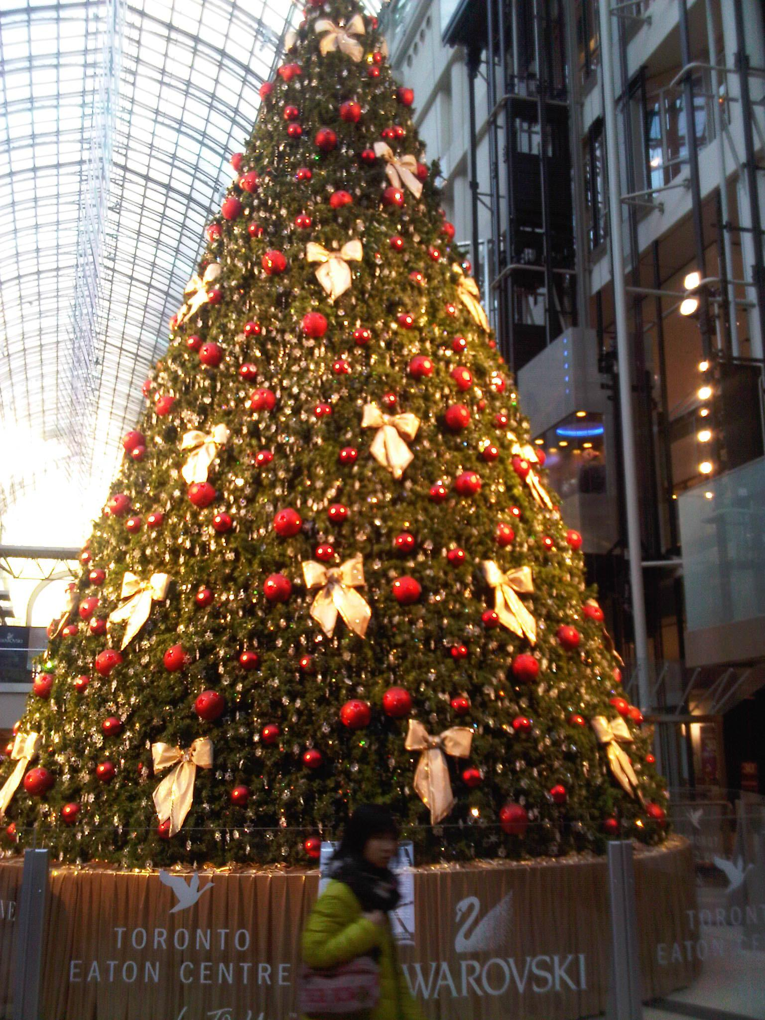 Swarovski Christmas Tree At Eaton Centre