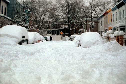 Blizzards crawling across central U S  blamed for at least 6