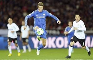 Chelsea FC's Fernando Torres controls the ball against Corinthians during the final of the FIFA Club World Cup soccer tournament in Yokohama, near Tokyo, Sunday, Dec. 16, 2012. (AP Photo/Shuji Kajiyama)