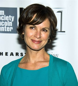 This Oct. 8, 2013 photo shows ABC News anchor Elizabeth Vargas in New York. THE CANADIAN PRESS/AP, Charles Sykes/Invision