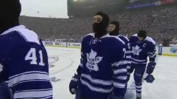 Maple Leafs defeat Red Wings in Winter Classic