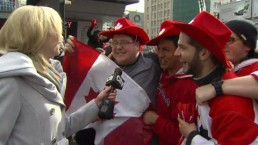 Hockey fans flock to Yonge and Dundas