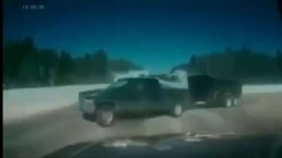Dashcam captures T-bone crash in northern Ontario