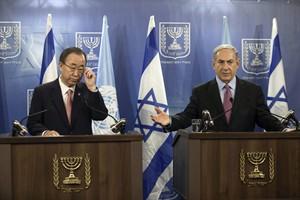 United Nations Secretary-General Ban Ki-moon, left, and Israeli Prime Minister Benjamin Netanyahu attend a joint news conference regarding the Israel-Hamas conflict, in Tel Aviv, Israel, Tuesday, July 22, 2014. (AP Photo/Dan Balilty)