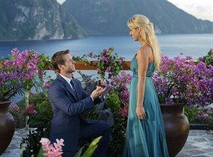 """Bachelor Jake Pavelka, presents a ring to Vienna Giraldi after the final rose ceremony on the 2010 season's finale of """"The Bachelor"""". THE CANADIAN PRESS/AP, ABC, Mark Brendel"""
