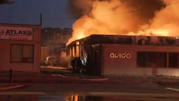 RAW VIDEO: Fire crews battle 3-alarm fire at Etobicoke commercial building