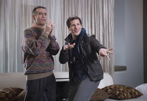 """This photo released by Fox shows, Andy Samberg, right, as Det. Jake Peralta and guest star, Fred Armisen as Melipnos , in a scene from the TV series, """"Brooklyn Nine-Nine,"""" on Fox. (AP Photo/Fox, Eddy Chen)"""
