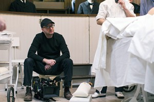 """This image released by Cinemax shows director Steven Soderbergh on the set of """"The Knick,"""" a 10-episode hospital drama premiering Friday at 10 p.m. EDT on Cinemax. (AP Photo/Cinemax, Mary Cybulski)"""