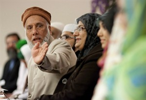 "Professor Imam Syed B. Soharwardy, left, speaks at the Jamia Riyadhul Jannah place of worship in Mississauga, Ont., on February 4 , 2012. A prominent Calgary imam worries that the reported death of a Canadian in Iraq could inspire other radicalized youth to follow his example. Imam Syed Soharwardy of the Islamic Supreme Council of Canada, is worried that the death of one youth who has been ""brainwashed"", could prompt others to follow in his footsteps. THE CANADIAN PRESS/Chris Young"