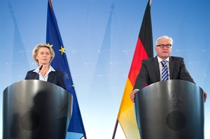 German foreign minister Frank-Walter Steinmeier, right, and defense minister Ursula von der Leyen, deliver a statement in Berlin, Wednesday, Aug. 20, 2014. Germany is prepared to arm the Kurdish fighters battling Sunni insurgents in northern Iraq. Germany would closely coordinate its efforts with France,Britain and other European countries who are already delivering weapons to the Kurds. The announcement follows intense domestic and international pressure for the German government to provide more than humanitarian assistance to those fighting the Islamic State group. The offensive by IS radicals has left thousands dead and forced 1.5 million people from their homes. (AP Photo/dpa, Maurizio Gambarini)