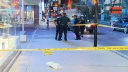 1 man in critical condition after Yonge Street stabbing