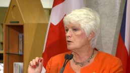 Ontario education minister discusses literacy, math test results