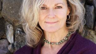 """Chatham, Ont.-raised author Lori Lansens is shown in a handout photo. Her new book """"The Mountain Story,"""" is now on shelves. THE CANADIAN PRESS/HO/Random House of Canada"""
