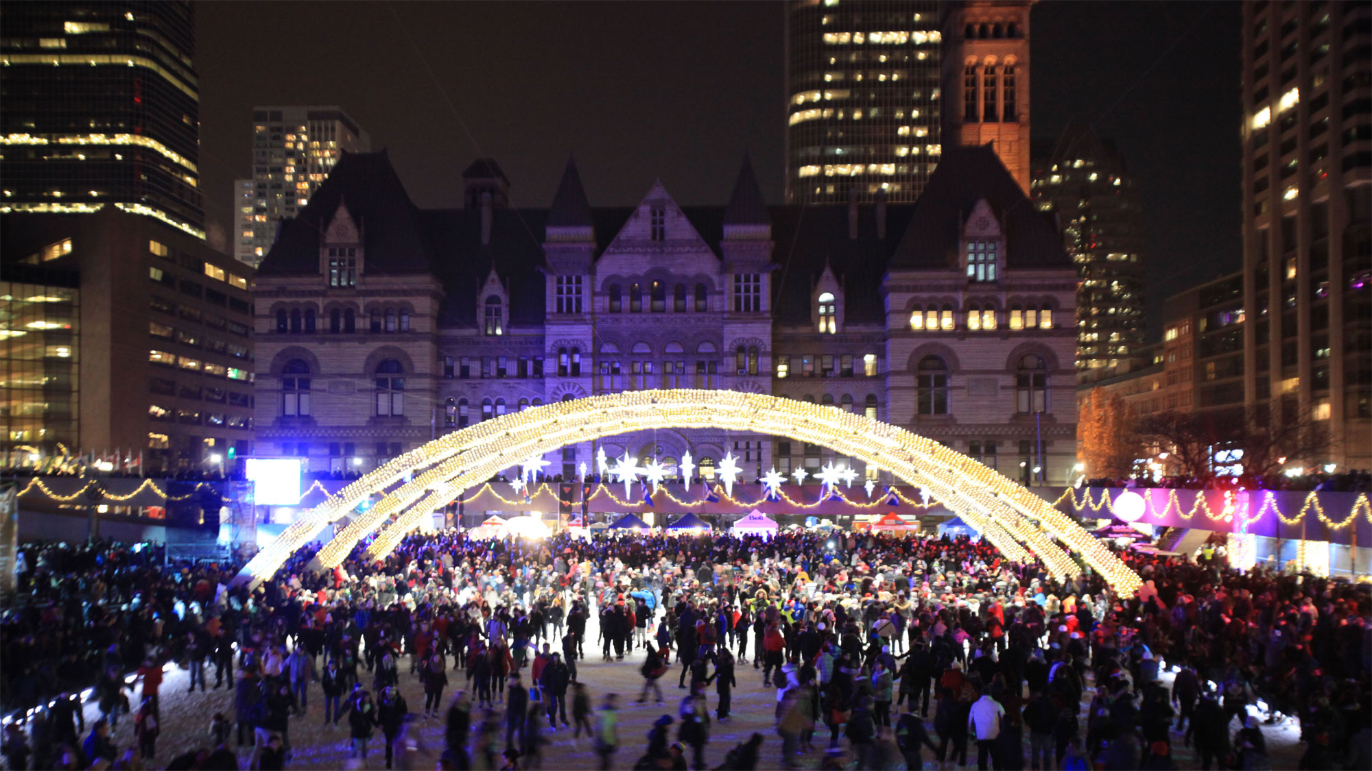 Christmas wonderland: Toronto lights up for the holiday season ...
