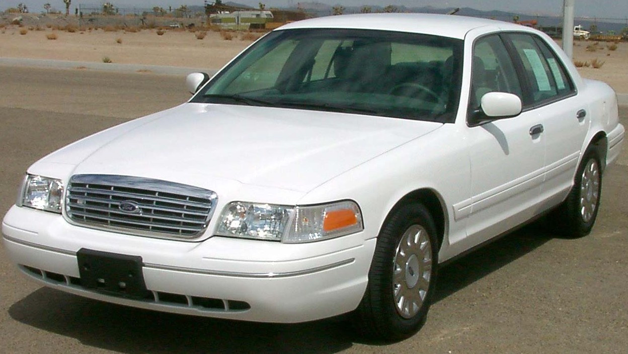 Ford crown victoria 2003 photo via wikipedia safercar gov public domain