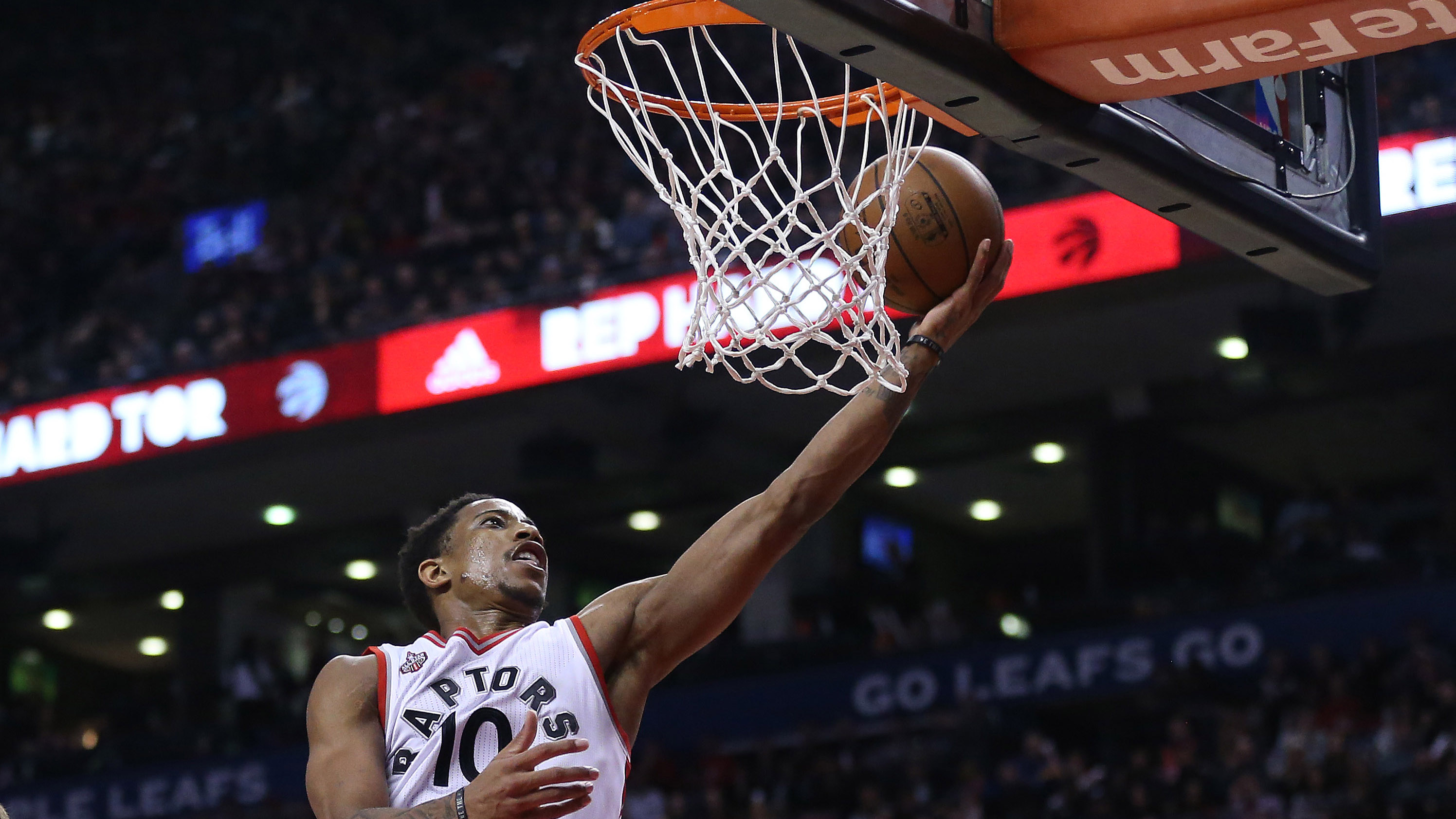 Raptors continue to roll, defeating Pistons 111-107 for ...
