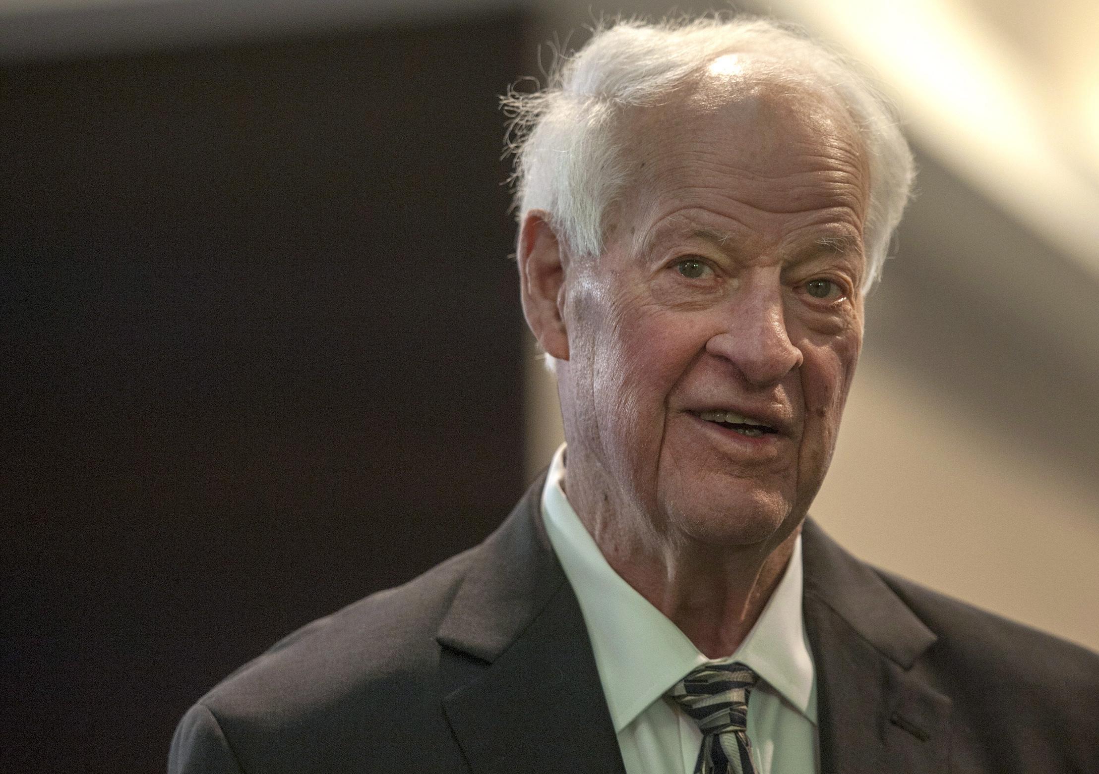 hockey legend gordie howe passes away at age 88 680 news