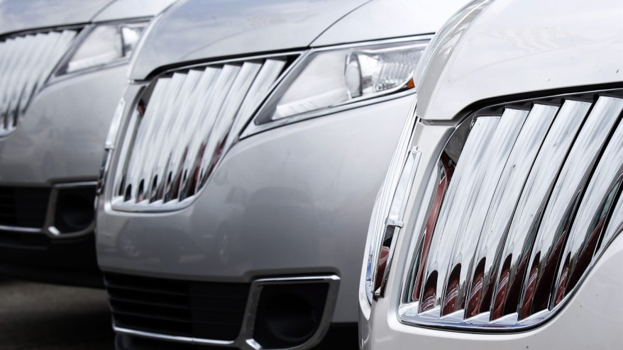 US auto sales expected to hit record in first 6 months