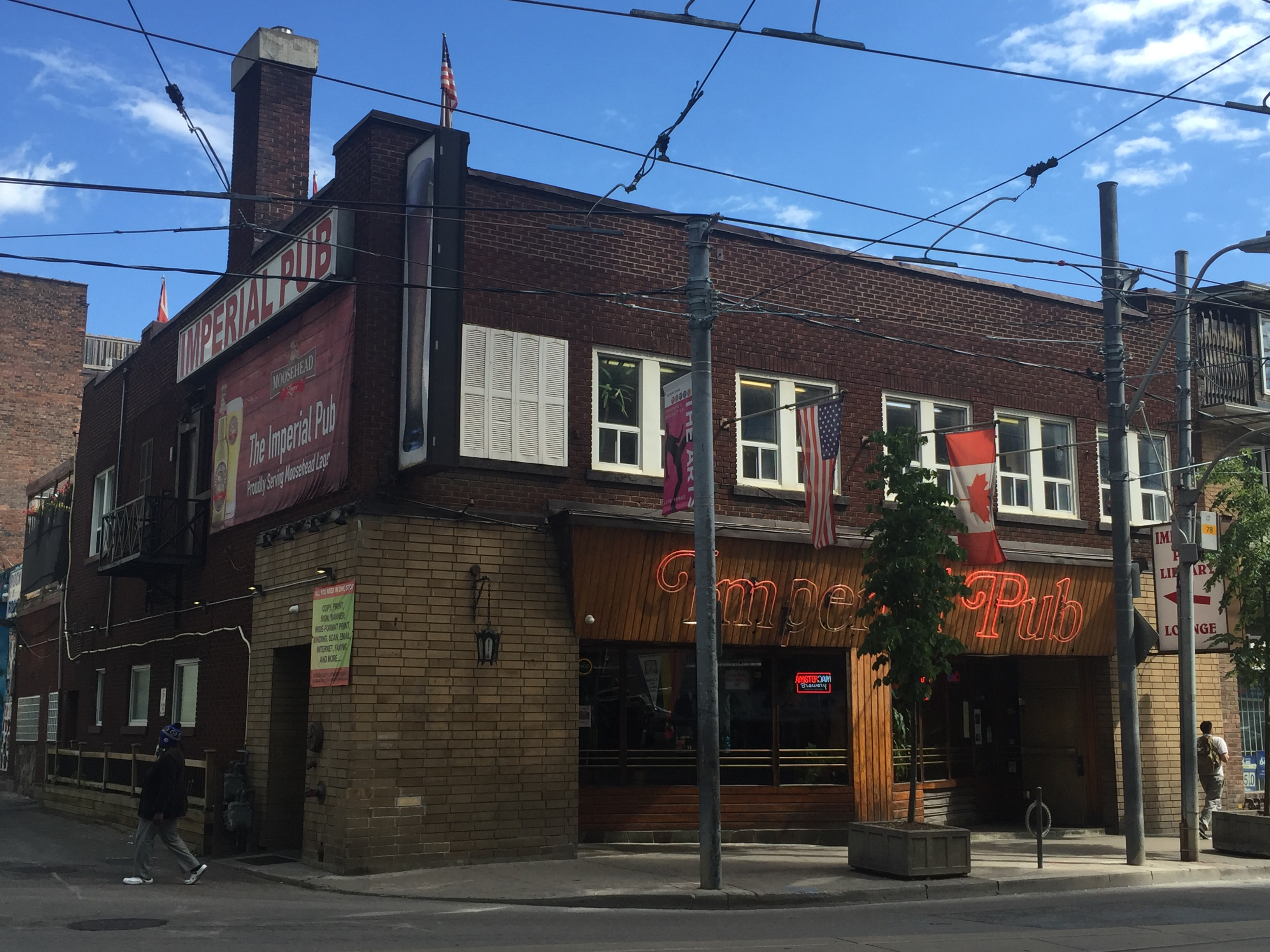 The Imperial Pub - 680 NEWS