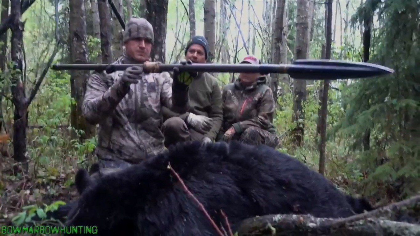 Canada's Alberta eyes charges against US hunter in speared bear video