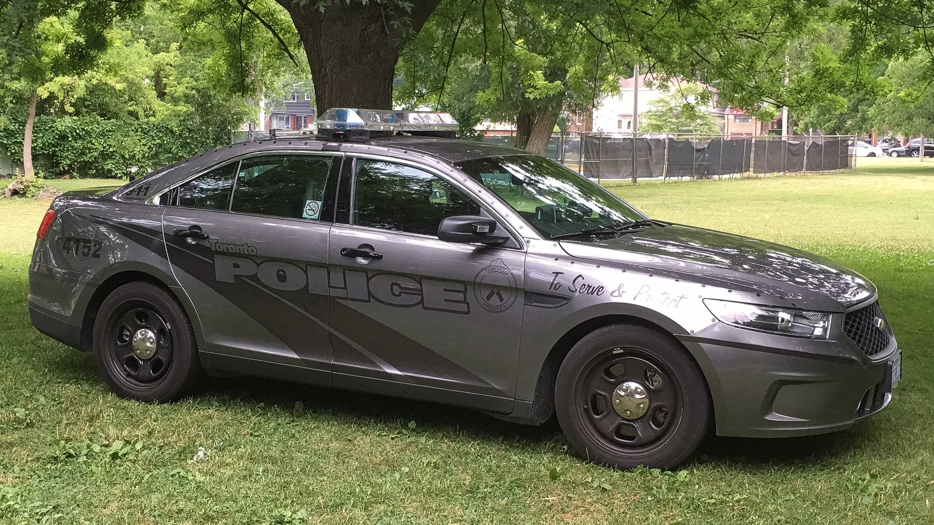 Exclusive Toronto Police Cruisers Becoming More Stealth