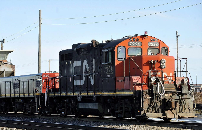 CN Rail revenue falls 6.5% as freight volumes decline