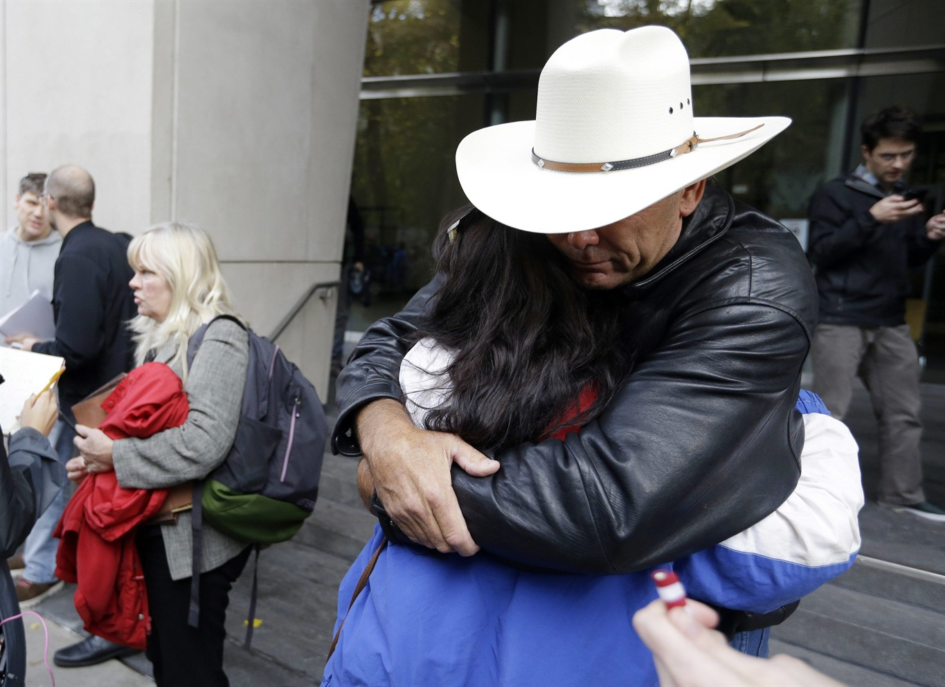 Jury acquits leaders of Oregon standoff of federal charges