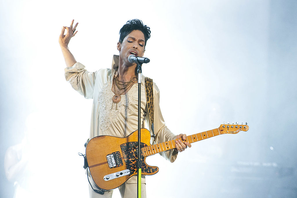 Search warrants in Prince's death to be unsealed Monday