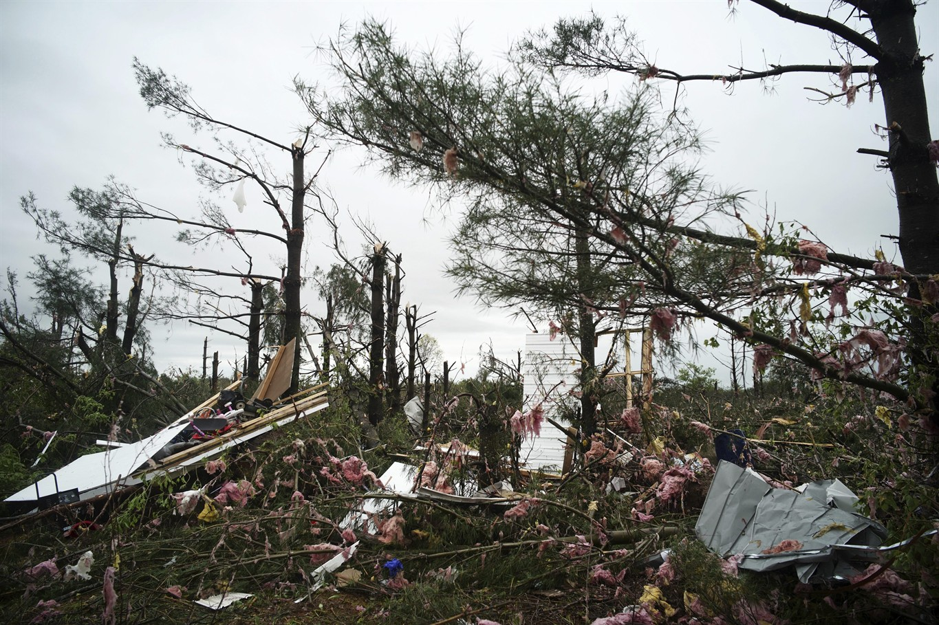 Tornadoes in Wisconsin, Oklahoma leave two dead