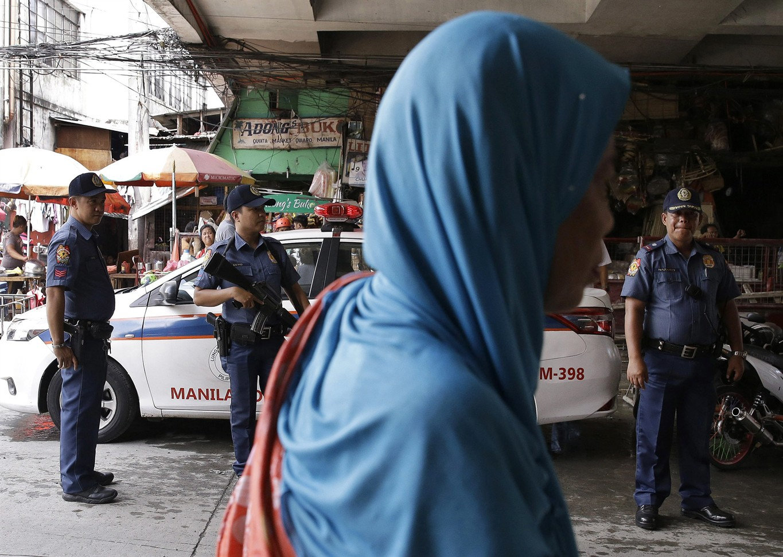 Philippines President Duterte declares martial law on Mindanao island