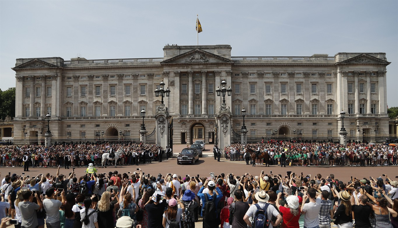 buckingham palace essay