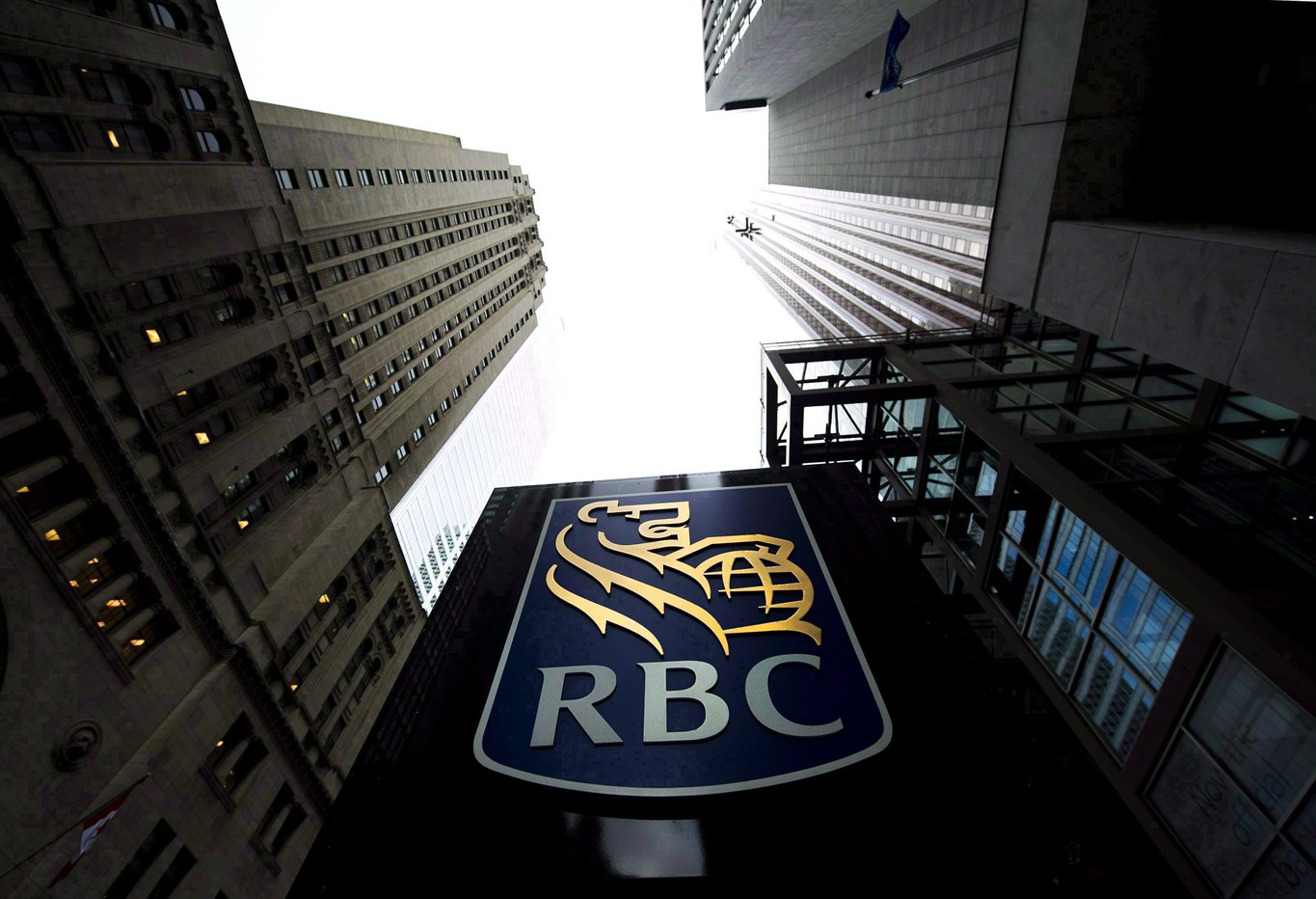 RBC to cut about 450 jobs in the Toronto area