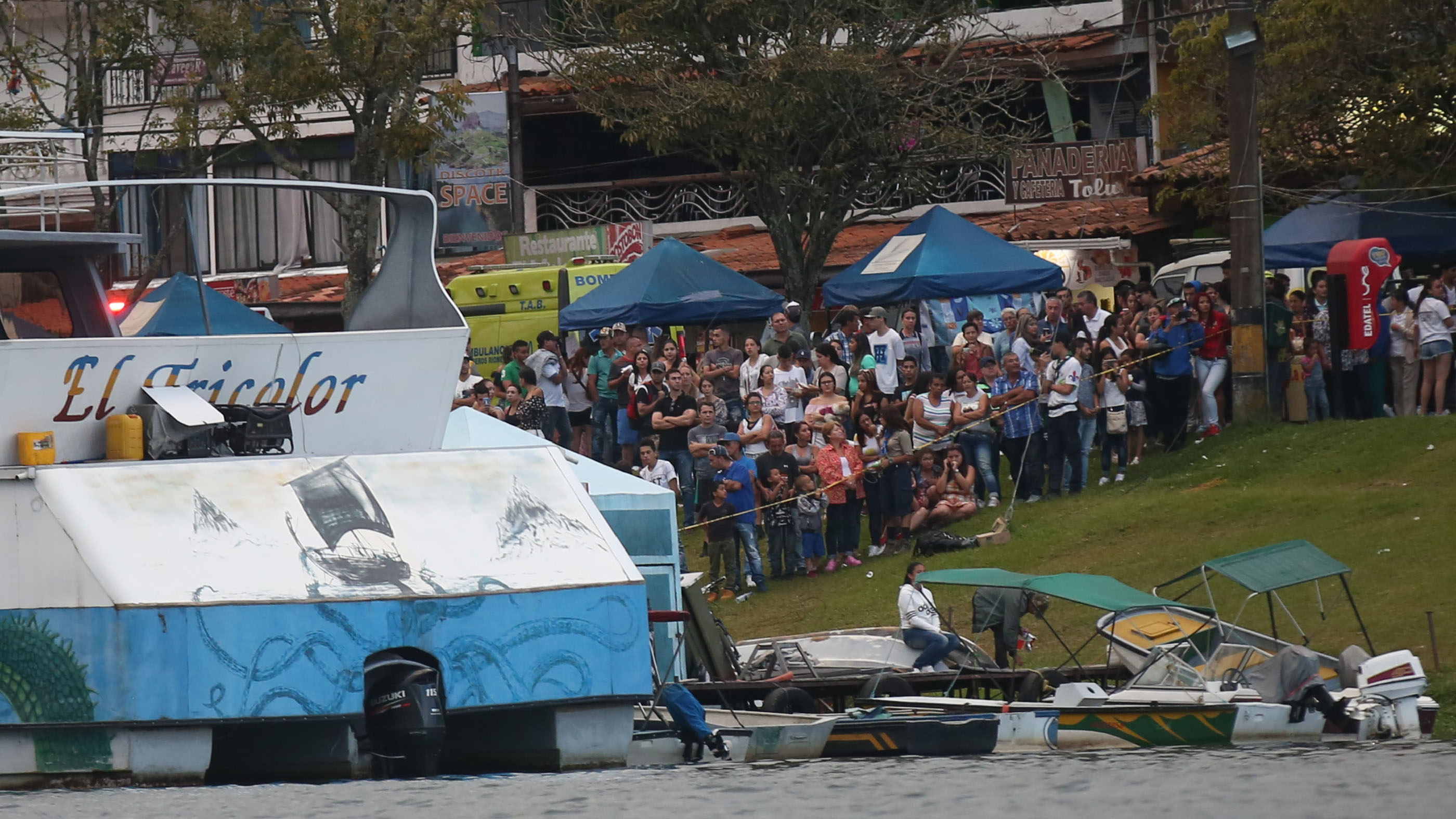 Nine killed, 31 missing after tourist boat sinks in Colombia