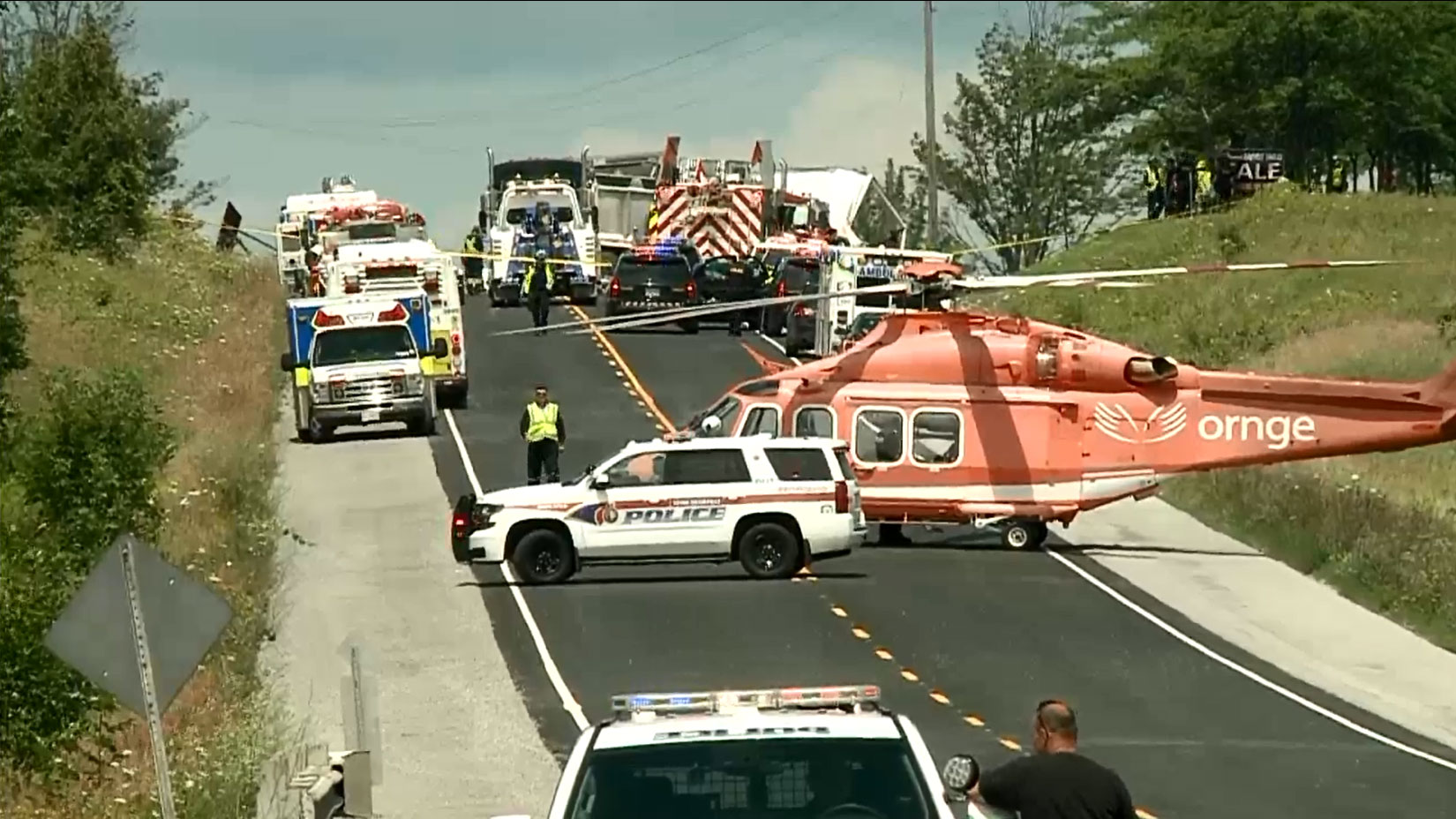 Hwy. 48 closed after serious crash near Mount Albert