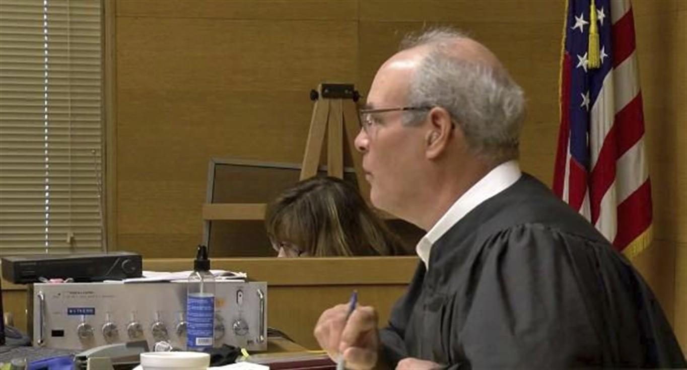 Judge, suspect shot outside OH courtroom