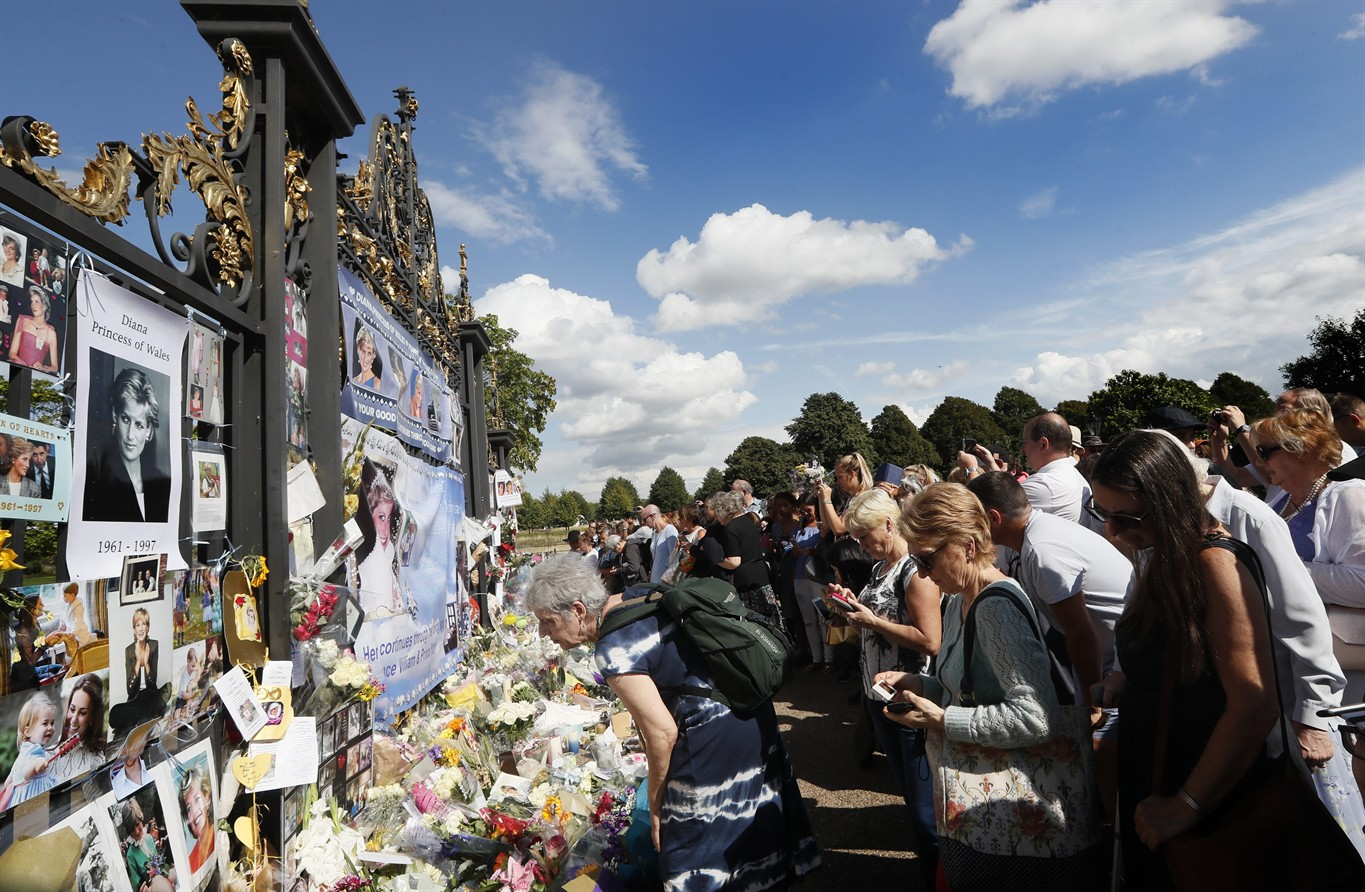 The public mourns over the death of actor and TV host Igor Kvasha 30.08.2012 10
