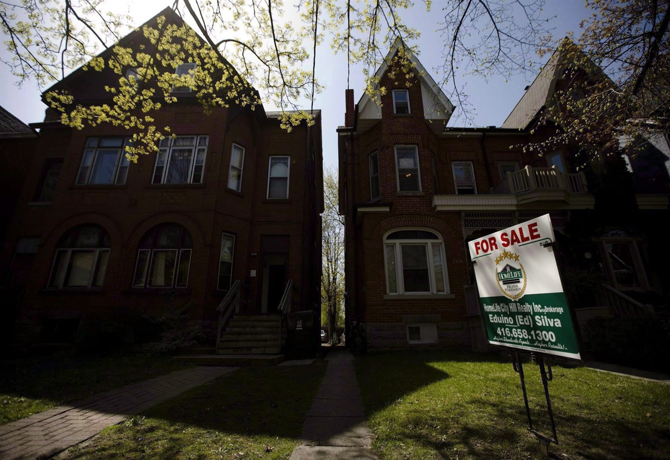 Toronto home sales plunge 40.4% in July as slowdown intensifies