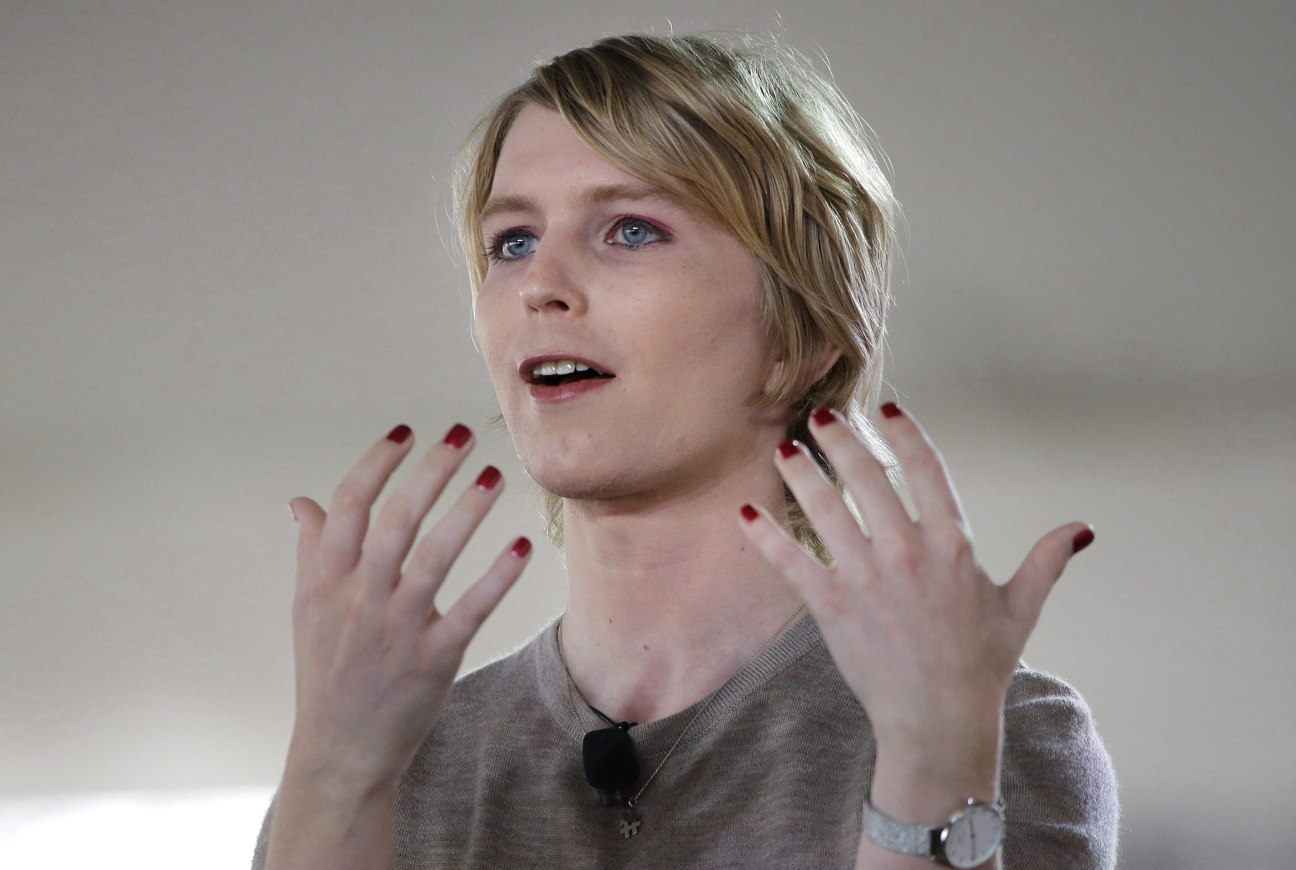 Chelsea Manning barred from travel in Canada due to USA conviction