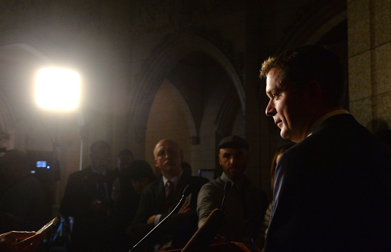 Andrew Scheer calls for finance minister to step down