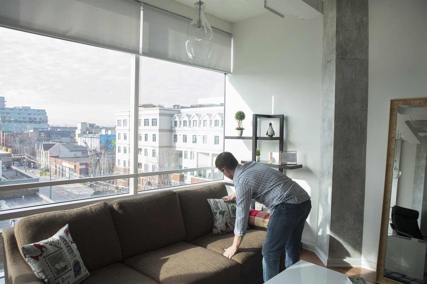Renters and Airbnb landlords square off as Toronto considers