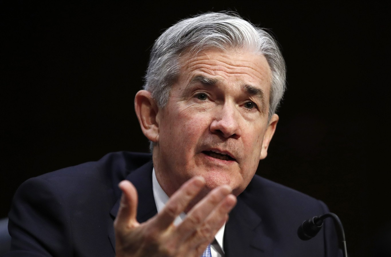 Fed Chair Nominee Powell Sails Through Senate Committee Vote