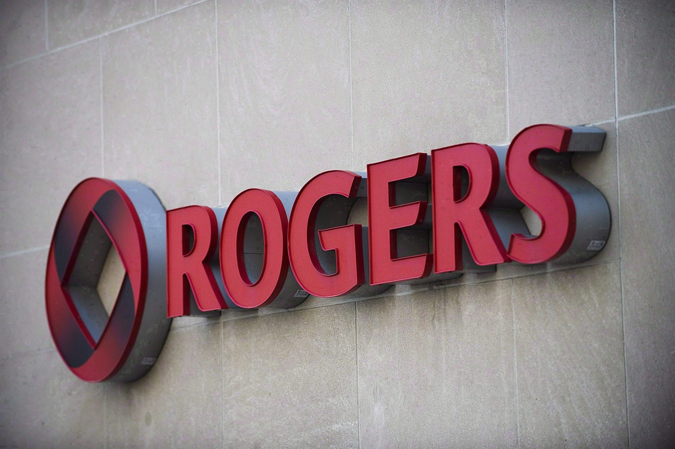 How Analysts Feel About Rogers Communications Inc. (NYSE:RCI)?