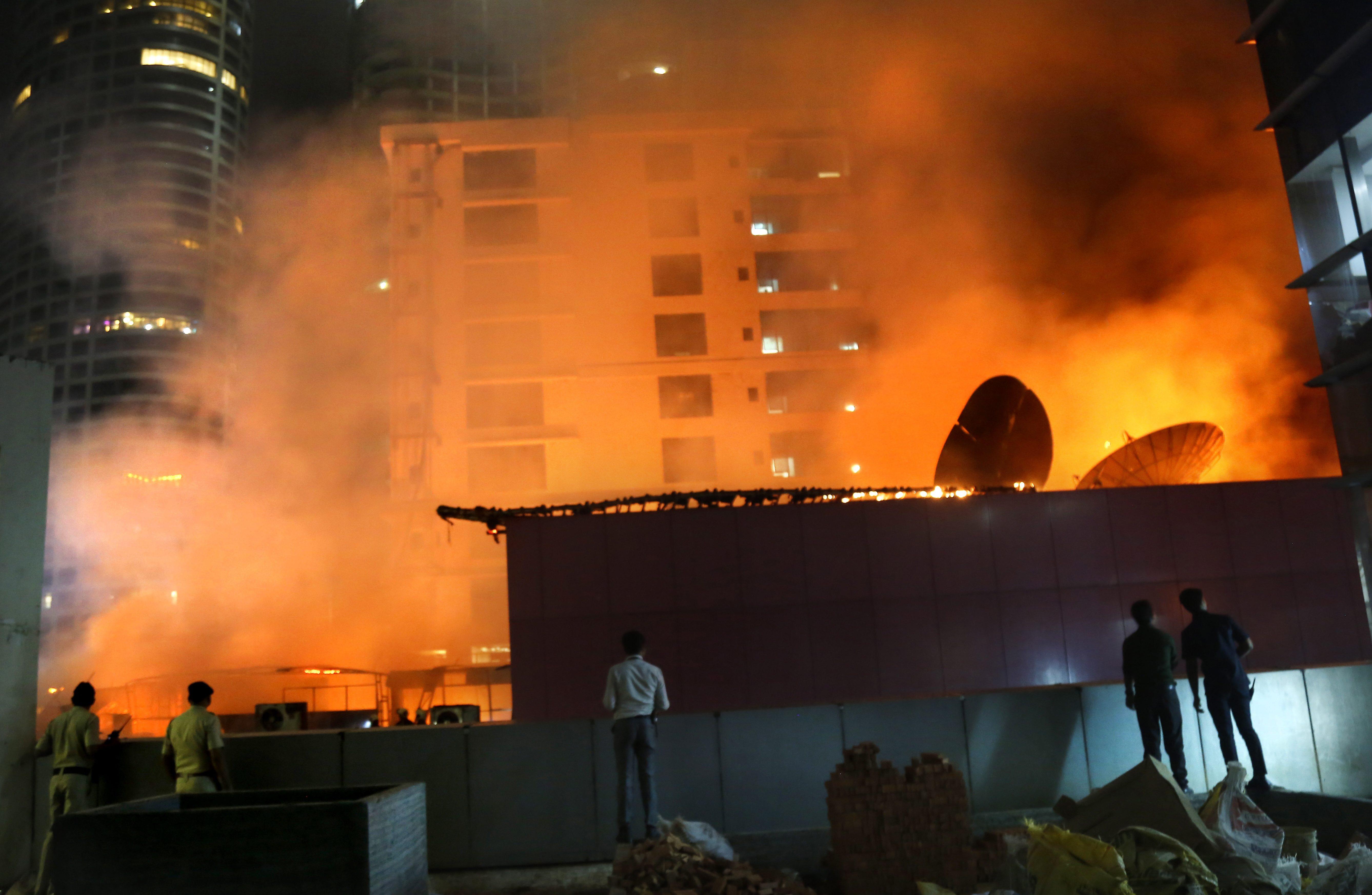 APTOPIX India Building Fire - 680 NEWS