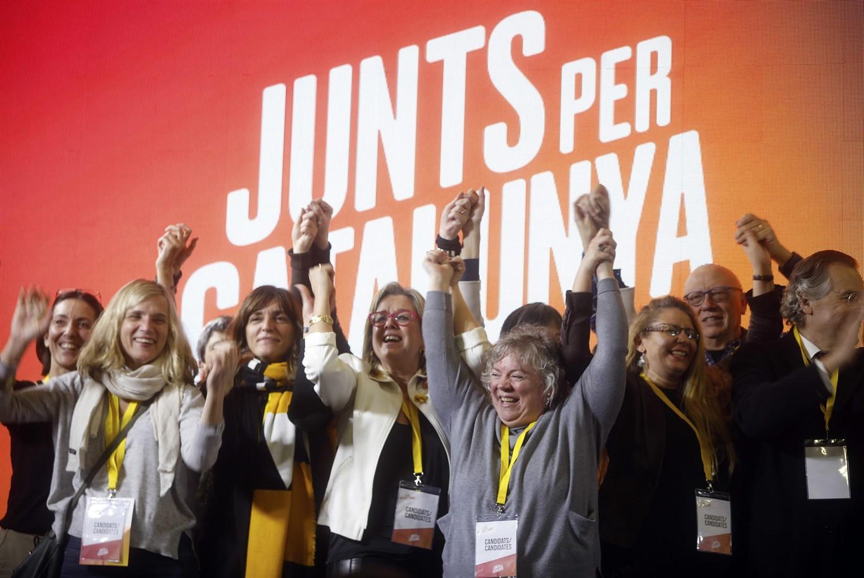 Catalan voters split over ties with Spain