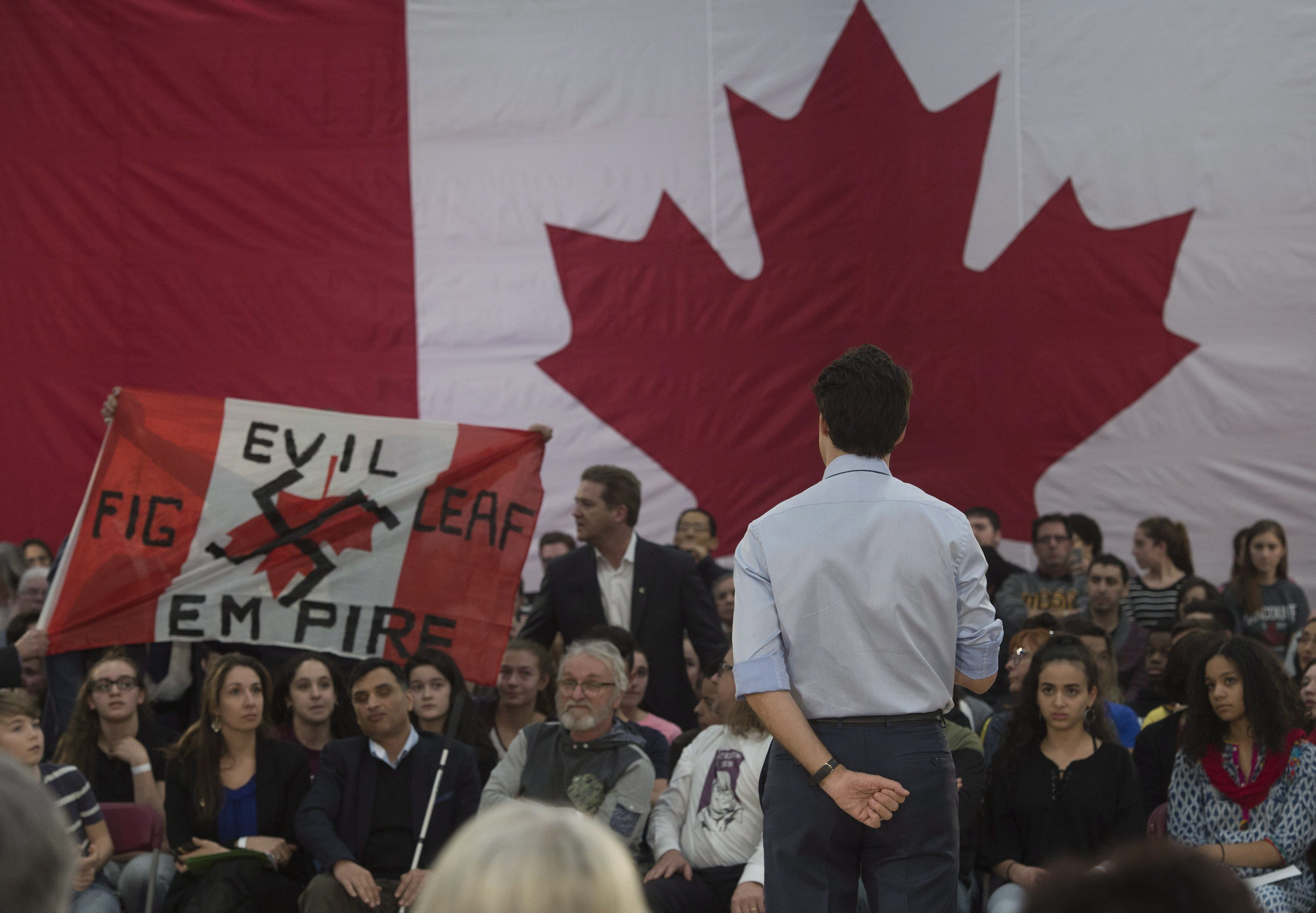 Trudeau fields questions on immigration in Quebec City ...