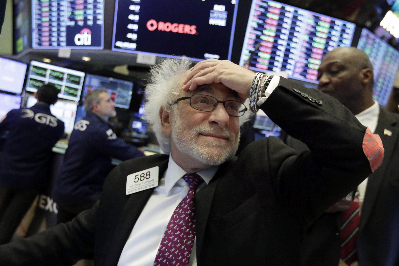 stocks rocked  dow drops 1 175  biggest